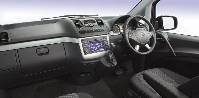 Limousine Services Mercedes Vito/Viano (9 Seater) 2