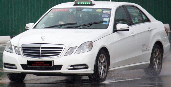 Limousine Services MERCEDES CAB/TAXI 2