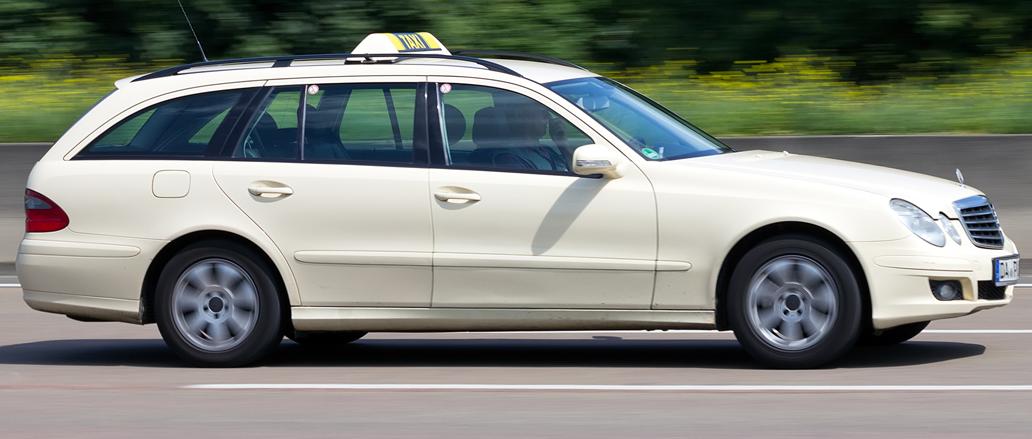 Limousine Services MERCEDES CAB/TAXI 5