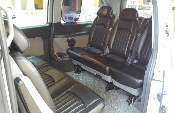 Limousine Services Mercedes Vito/ Viano (7-seater) 4