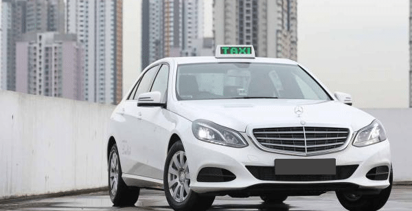 4-Seater Mercedes Taxi in Singapore